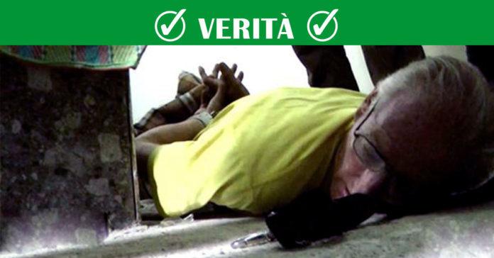 tortura e uccide una bimba di 18 mesi